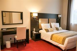 93421_002_Guestroom