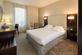 93652_002_Guestroom