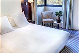 93652_005_Guestroom