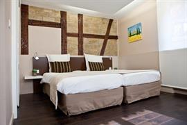 93572_005_Guestroom