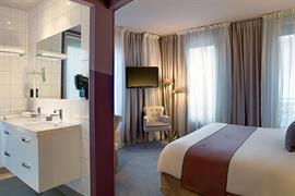 93712_002_Guestroom