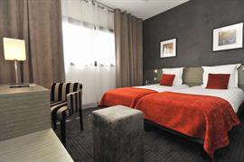 93763_002_Guestroom