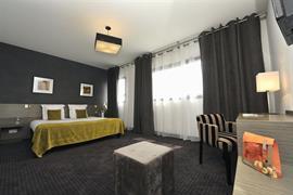 93763_003_Guestroom