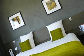 93763_006_Guestroom