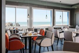 93667_000_Restaurant