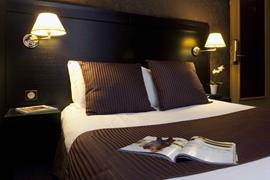 93617_005_Guestroom