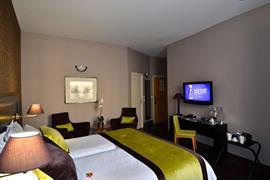 93617_006_Guestroom