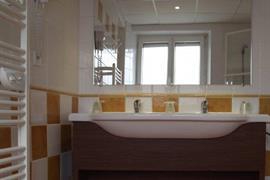 93613_003_Guestroom