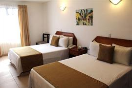 70111_004_Guestroom