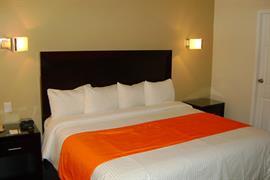 70111_007_Guestroom