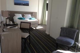 93802_002_Guestroom