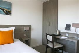 93802_003_Guestroom
