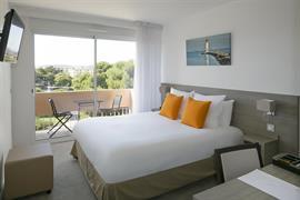 93802_004_Guestroom