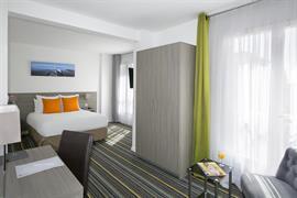 93802_006_Guestroom