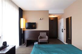 92931_006_Guestroom