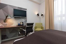 95501_001_Guestroom