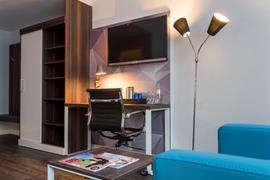 95501_005_Guestroom