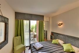 93525_004_Guestroom