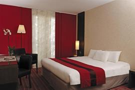 93736_002_Guestroom
