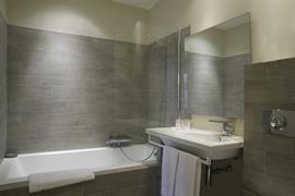 93813_004_Guestroom