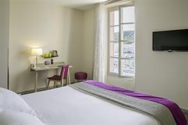 93813_005_Guestroom
