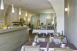 93813_007_Restaurant