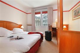 93469_005_Guestroom