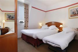93469_006_Guestroom