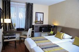 93800_002_Guestroom