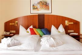 95483_004_Guestroom