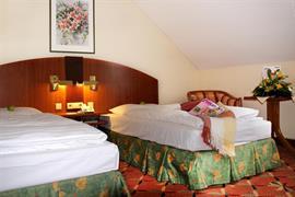 95483_005_Guestroom