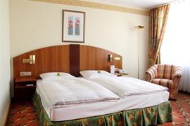 95483_006_Guestroom