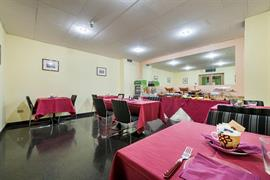 98246_001_Restaurant