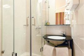 92934_007_Guestroom