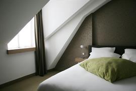 93728_002_Guestroom