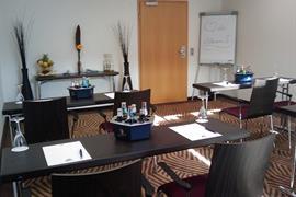 95386_007_Meetingroom