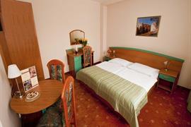 81026_005_Guestroom