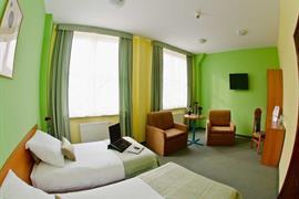 81026_006_Guestroom