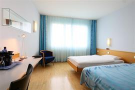 94185_004_Guestroom