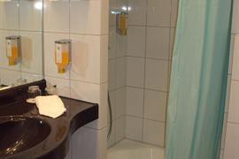94185_005_Guestroom