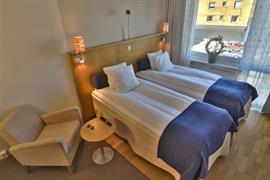 88181_002_Guestroom