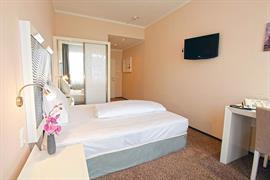 95481_004_Guestroom