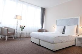 95481_005_Guestroom