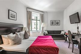 96079_005_Guestroom