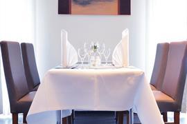 95371_004_Restaurant