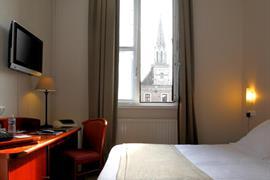 93677_003_Guestroom