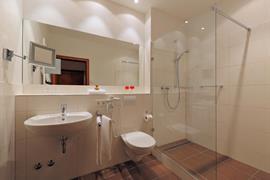 95180_005_Guestroom
