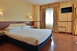 98353_001_Guestroom