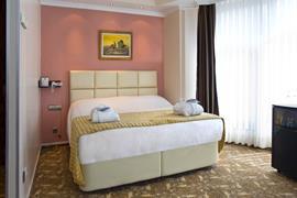 78015_006_Guestroom