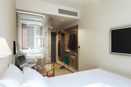 88215_005_Guestroom